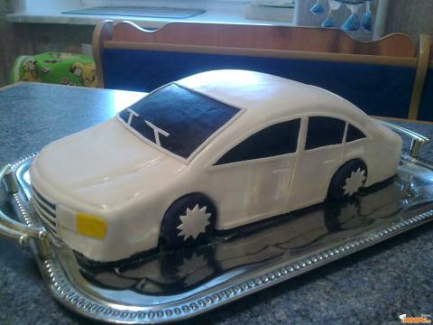 Торт в форме машины фото 1