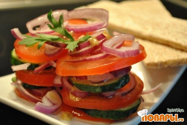 Рецепт Испанский салат из помидоров и огурцов