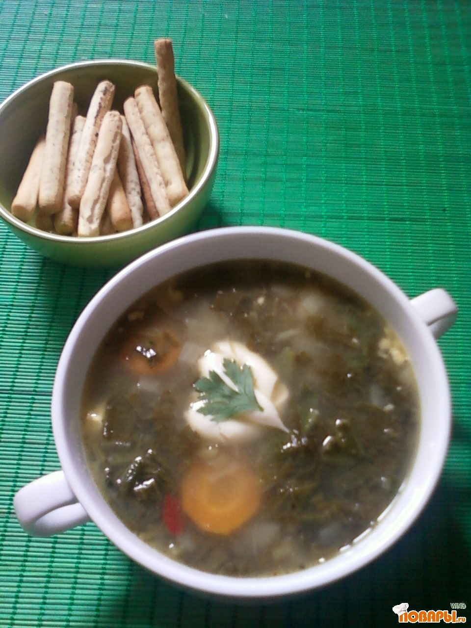 Рецепт зеленый борщ с копчеными ребрышками