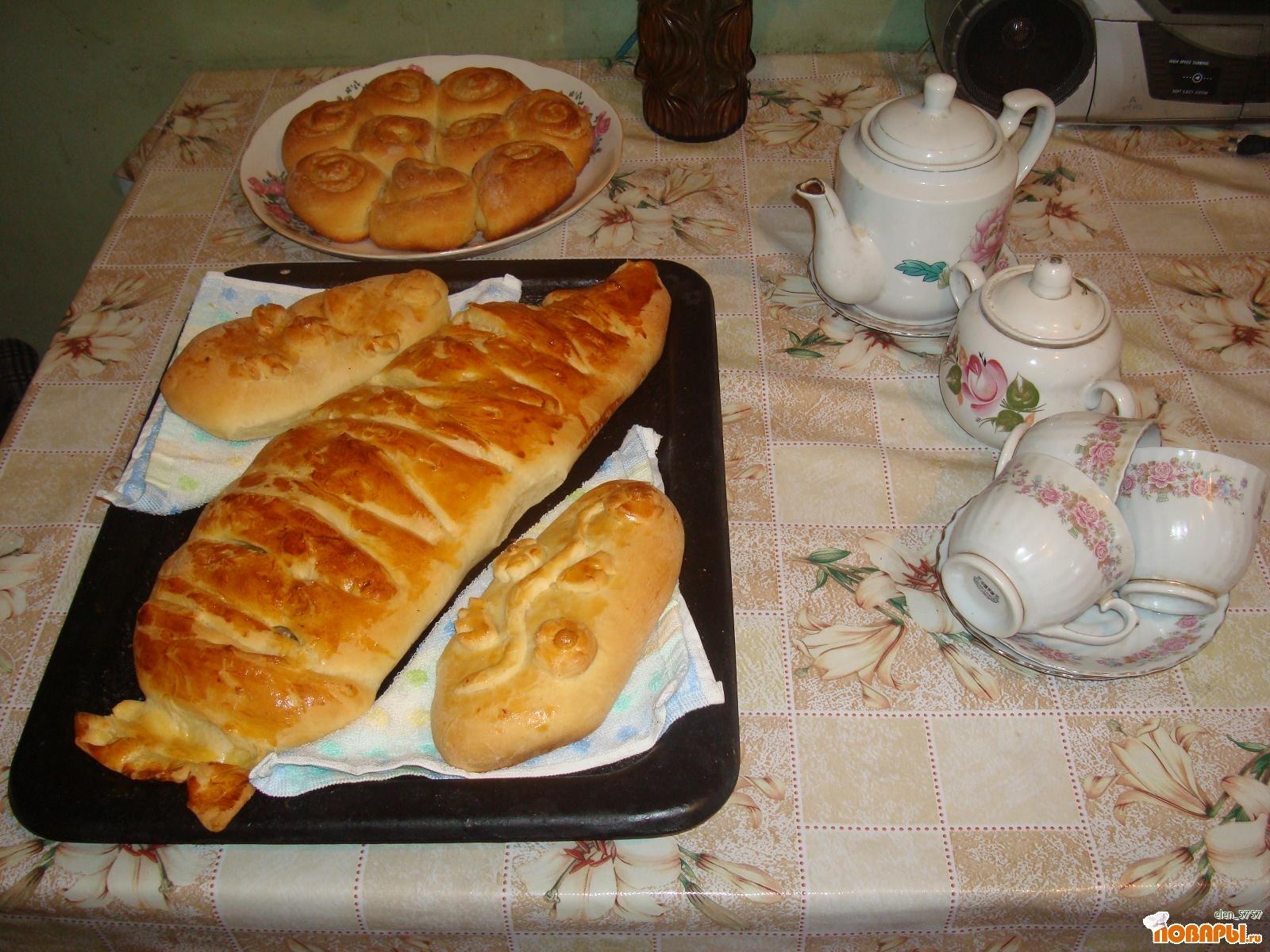 """Рецепт Пирог """"Праздничная рыба"""" и булочки""""Розочки"""""""