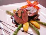 Голубь фаршированный фуа-гра, шпинатом с соусом «Pigeon»
