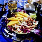 Салат из манго и деревенского сыра
