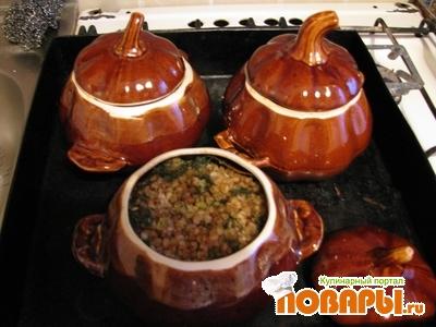 Рецепт Гречка с куриной печенкой и шампиньонами в горшочках