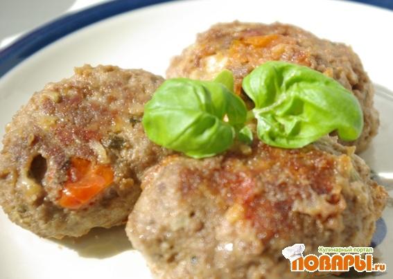 Рецепт Котлеты с помидорами и сыром