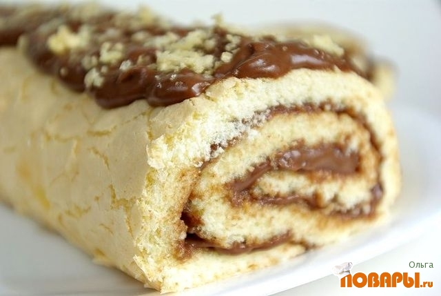 Рецепт Бисквитный рулет с шоколадным заварным кремом