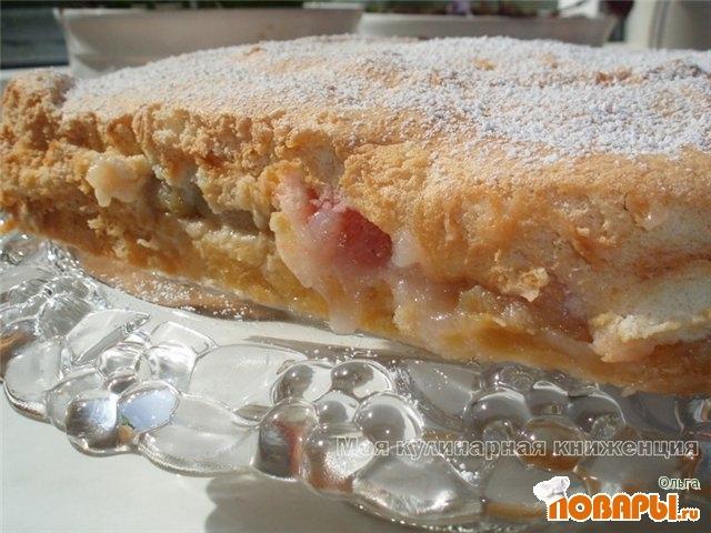Рецепт Пирог на песочной основе с ревенем и бисквитом
