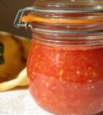 Аджика (помидоры с перцами и чесноком)