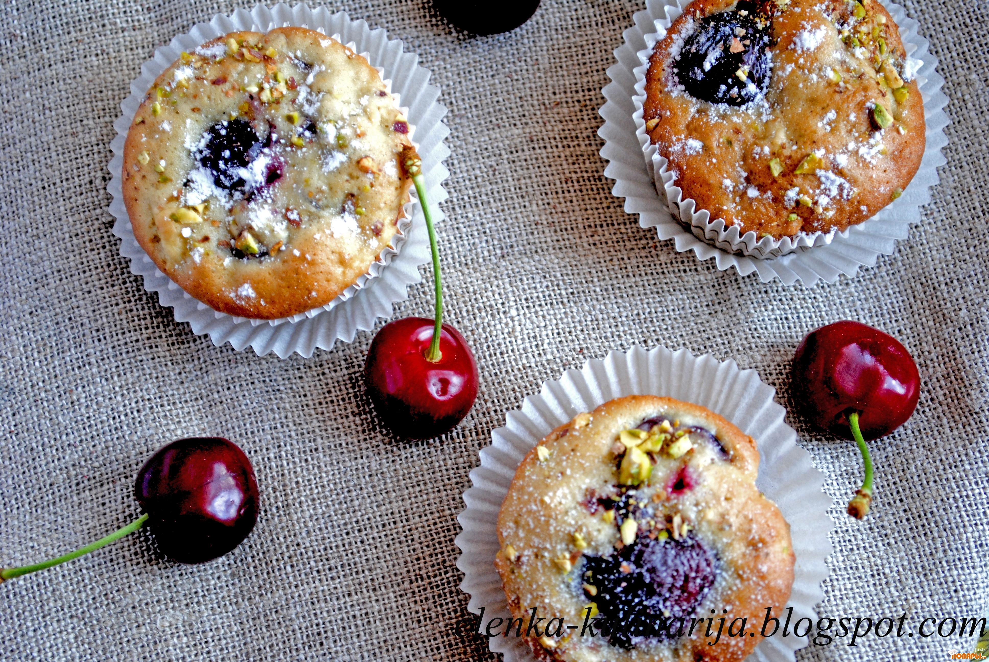 Рецепт Кексы с вишней, яблоками и орехами