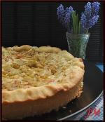 Пирог с ревенем в сметано-яичной заливке