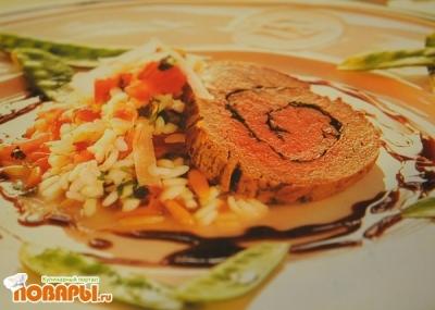 Рецепт Восхитительный Мясной рулет (фаршированный травами)