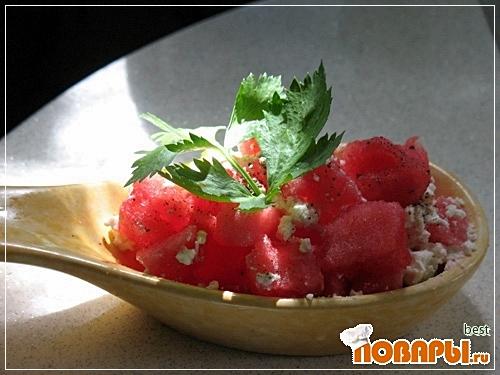 Рецепт Салат из арбуза с оливками и фетой