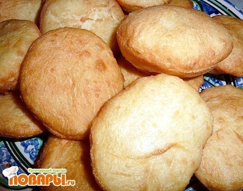 Рецепт Золотистые баурсаки. Казахский хлеб.