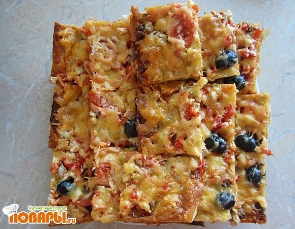 Рецепт Пицца с грибами и курицей из слоенного теста