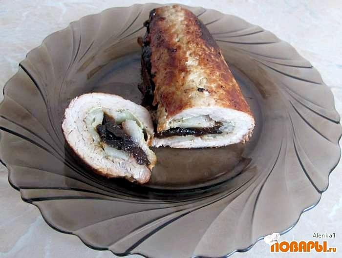 Рецепт Рулет из свинины с черносливом и беконом