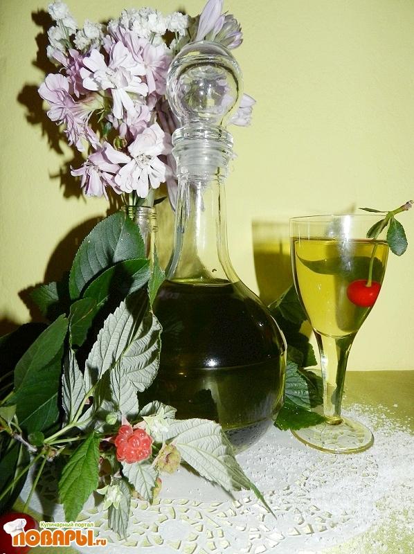 """Рецепт """"Дамский"""" травяной ликер"""