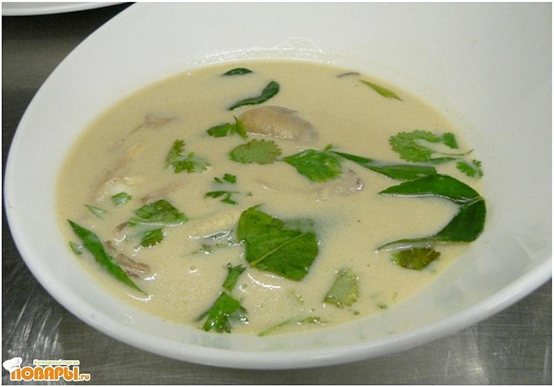 Рецепт Кокосовый суп с грибами и куриной грудкой