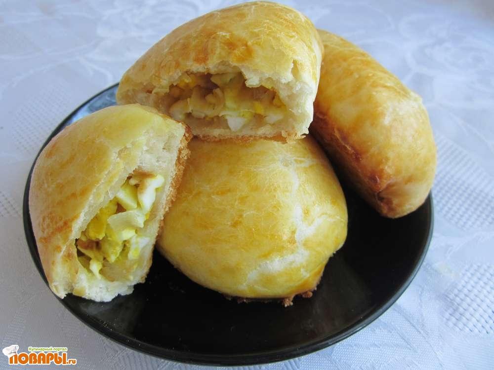 Рецепт Пирожки с вареным яйцом и жареным луком