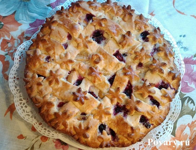 Рецепт Пирог с яблоками и смородиной