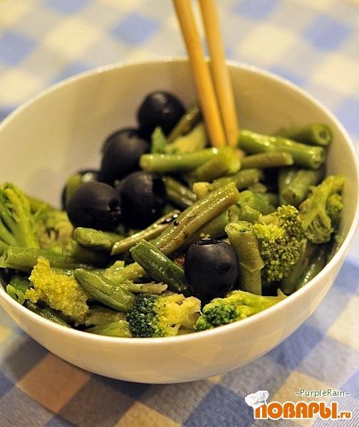 Рецепт Теплый салат из стручковой фасоли и брокколи