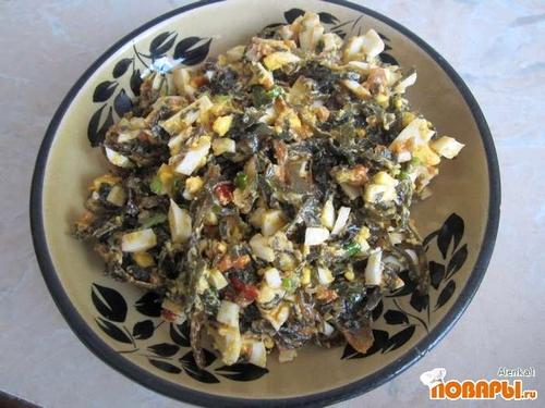 Рецепт Салат из морской капусты, яйца и зеленого лука