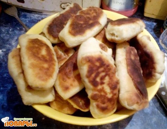Рецепт Жареные пирожки на сметанном тесте