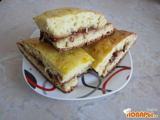 Рецепт Пирог с начинкой из сливового варенья