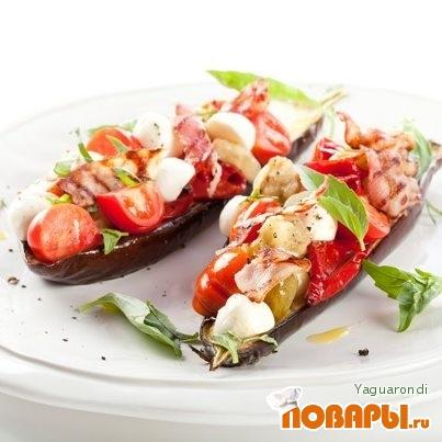 Рецепт Cалат из печеных баклажанов с беконом и моцареллой Unagrande