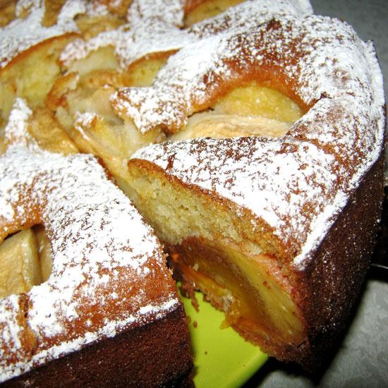 Рецепт Пирог с хурмой и яблоками
