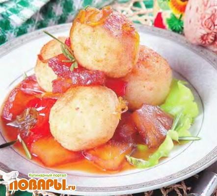 Рецепт Рисовые биточки с ананасом в овощном соусе