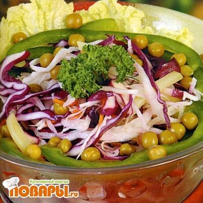Рецепт Салат из капусты и зеленого горошка