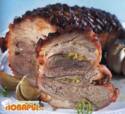 Рецепт Свиной окорок с имбирем и запеченным чесноком