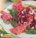 Салат из квашеной капусты и красной свеклы