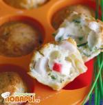 Мини-кексы с крабами и луком сибулет