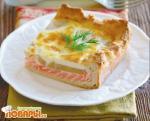Пирог с копченым лососем и грушами
