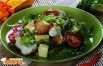 Салат с багетом и фетой по-гречески