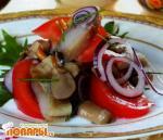 Римский салат из малосольной сельди