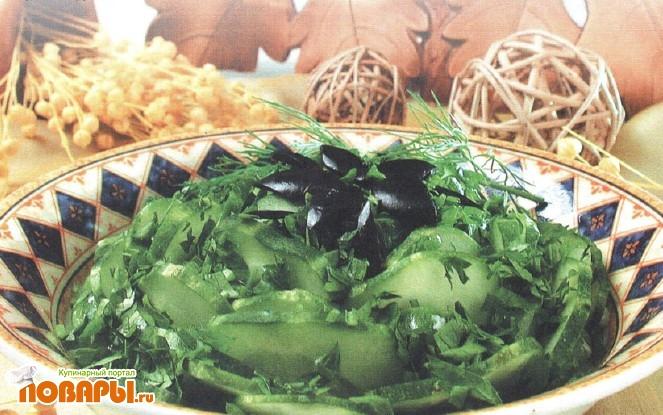 Рецепт Салат из огурцов с маслинами