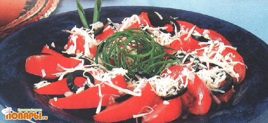 Рецепт Салат из помидоров с сыром и маслинами