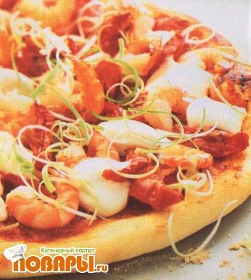 Рецепт Пицца с креветками и вялеными помидорами
