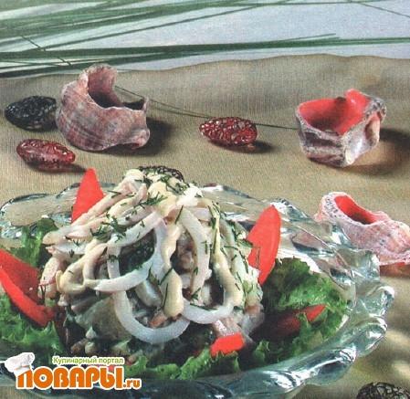 Рецепт Салат грибной с кальмарами