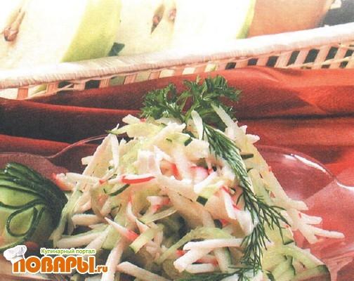 Рецепт Салат из крабов с яблоками и огурцами