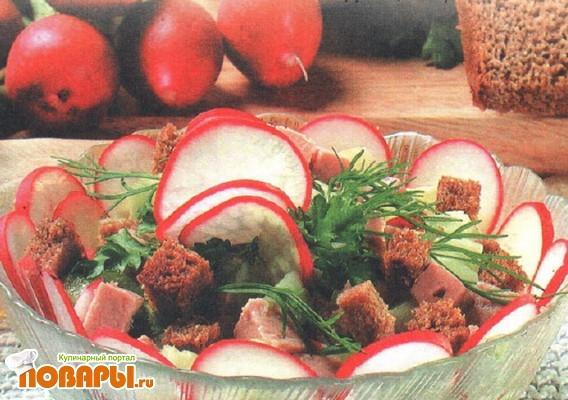 Рецепт Салат с мясным паштетом и гренками