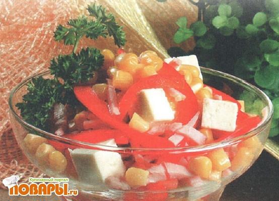 Рецепт Салат из брынзы с кукурузой и колбасой