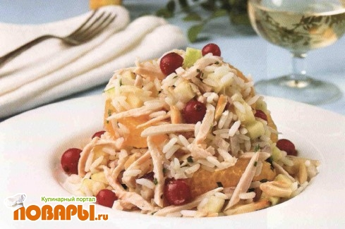 Рецепт Салат из курицы с миндалем