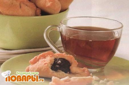 Рецепт Пирожки с черносливом и миндалем