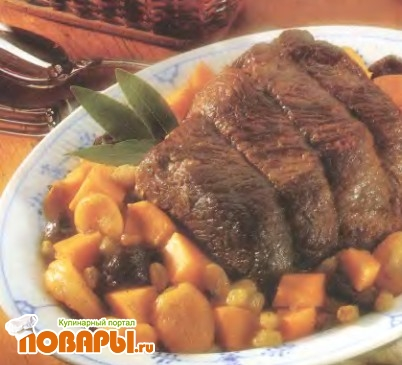 Рецепт Мясо, запеченное в горшочке с фруктами