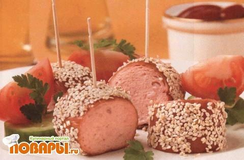 Рецепт Шпикачки с медом и кунжутом