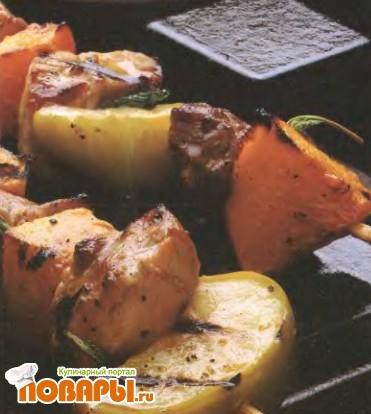 Рецепт Шашлык из свинины с яблоками и кабачком