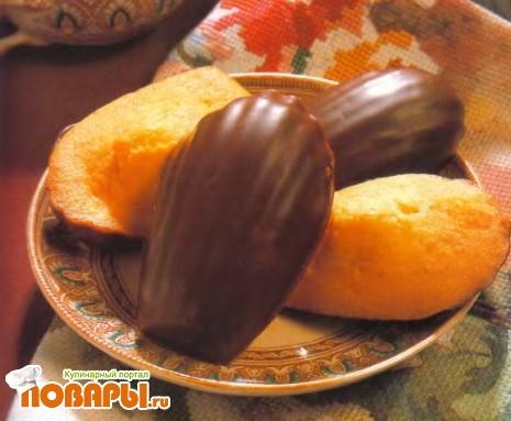 """Рецепт Миндальное печенье """"Мадлен"""", глазированное шоколадом"""