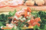 Салат с креветками и грибами